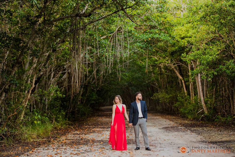 Engagement Session - Matheson Hammock Park - Santy Martinez Wedding Photographer-14.jpg