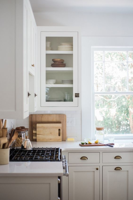 Modern Cali Kitchen Brass Hardware