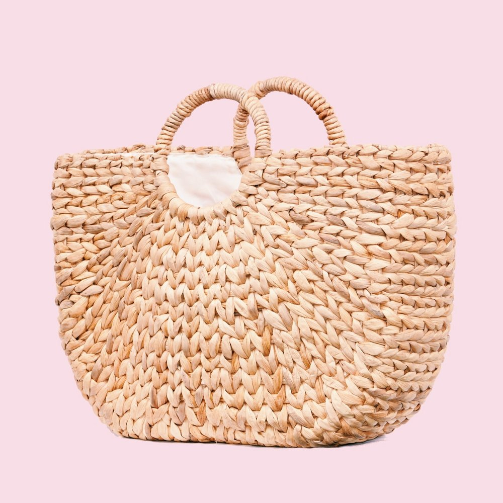 KAMA  - Bamboo handles and raffia weaves pattern. Perfect combo in one !