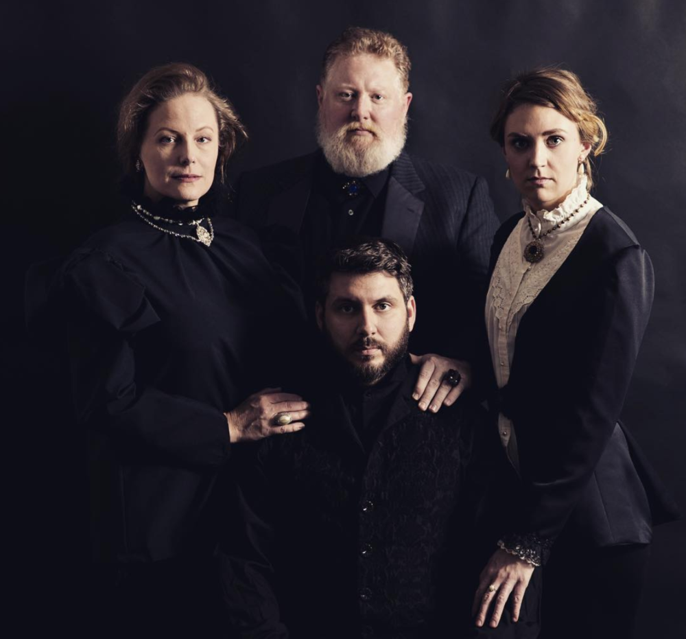 hamlet theme family Even though most people would consider revenge to be the central theme of hamlet, the title character fails to commit the act until it's too late.