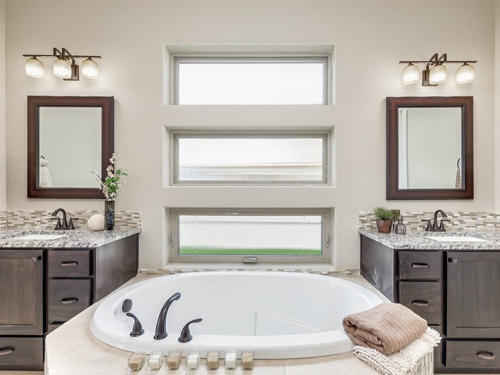 047_Master Bathroom .jpg