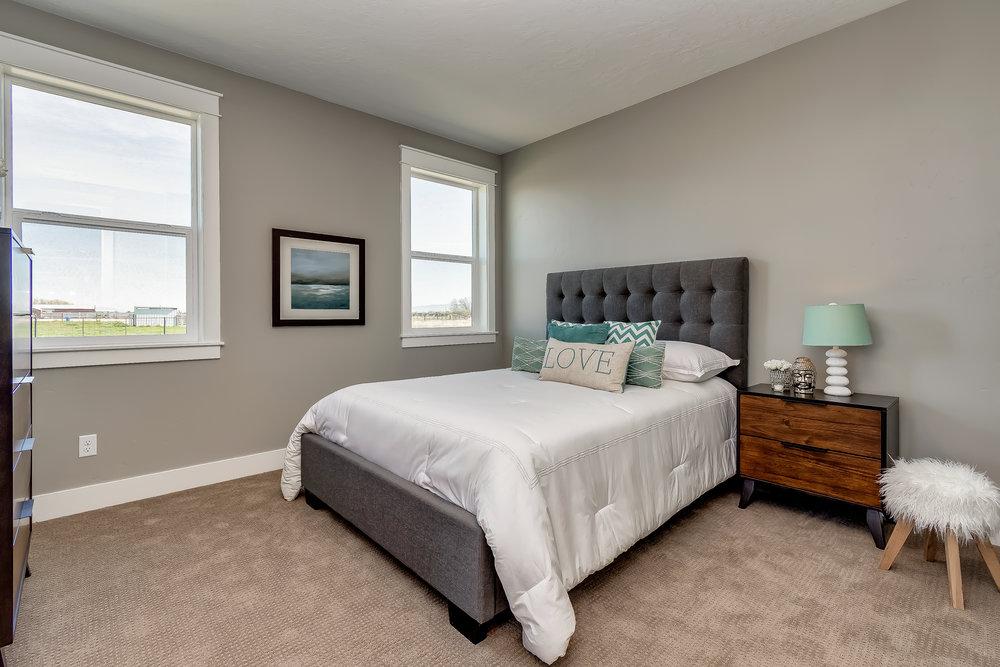 013_Bedroom .jpg