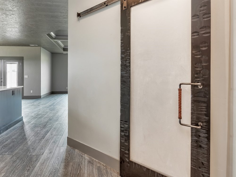 042_Barn Door.jpg