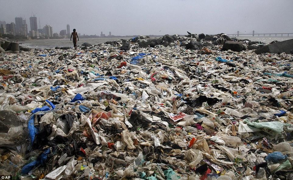 Mumbai beach clean -