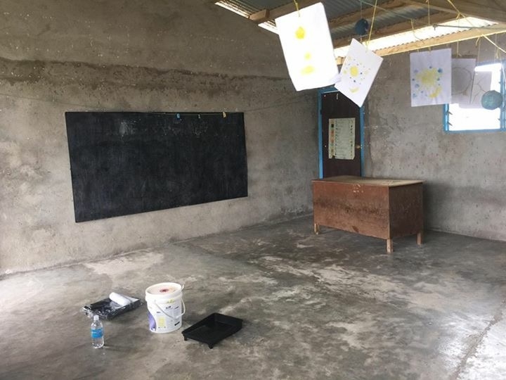 Pic: One of three Port Olry kindy classes BEFORE renovation in 2016.