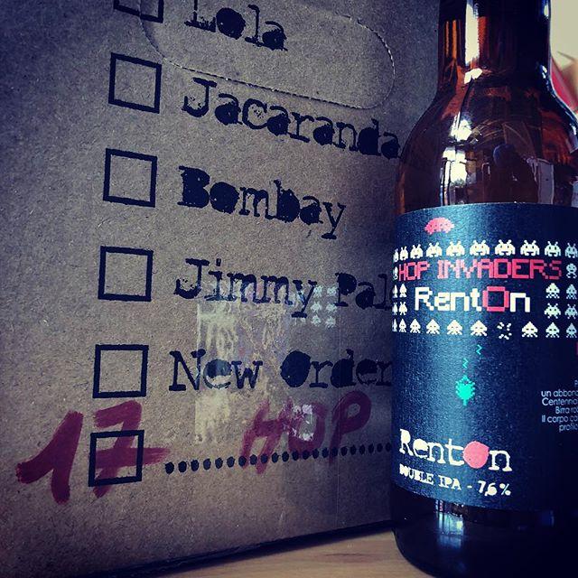 La vogliamo dare o no una svolta a questo weekend?!? 👾👾👾 . . . . #birrificiorenton #craftbeerporn #birra #birraartigianale #birraartigianaleitaliana #beer #craftbeer #newbeer #craftbeernerd #craftbeers #craftbeerlover #craftbeerlife #craftbeerrevolution