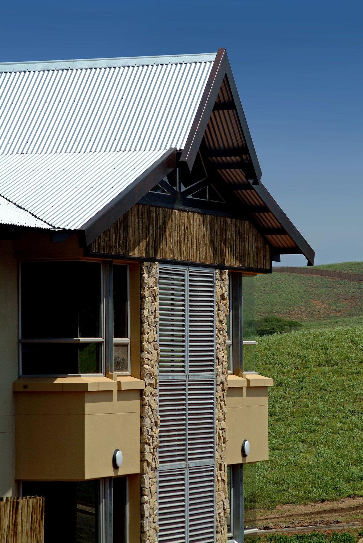 Administration Building, Simbithi Eco Estate (2006).jpg