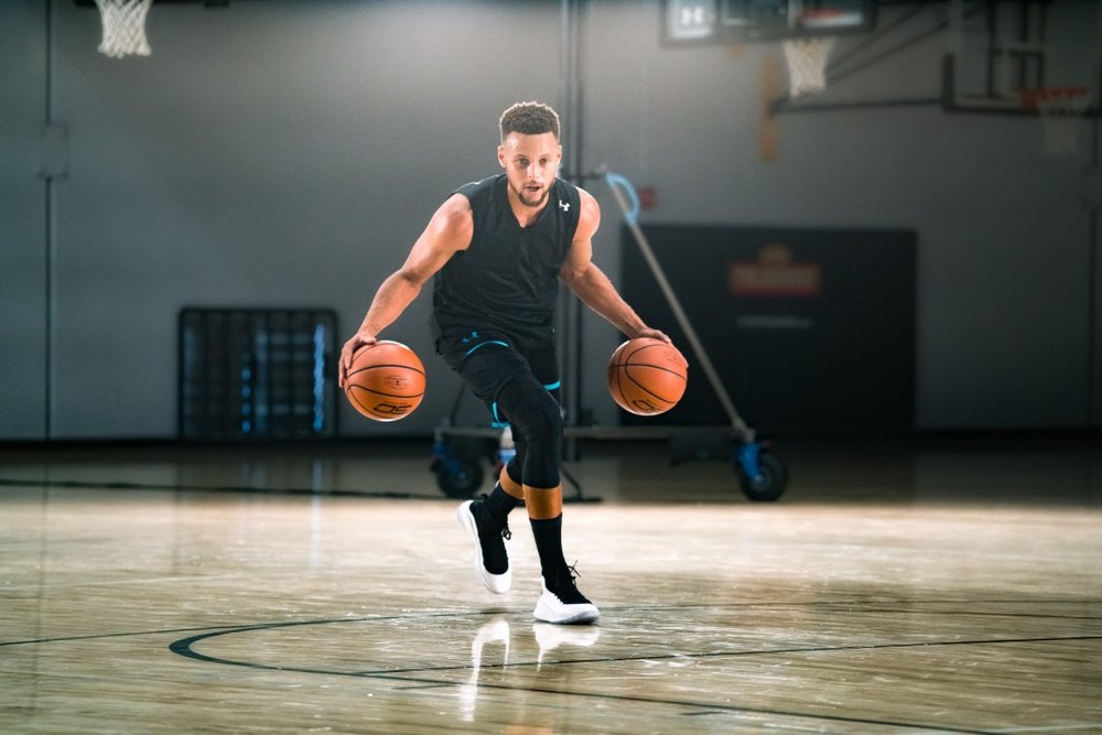 Steph Curry demonstrating two-ball dribbling during his Masterclass.