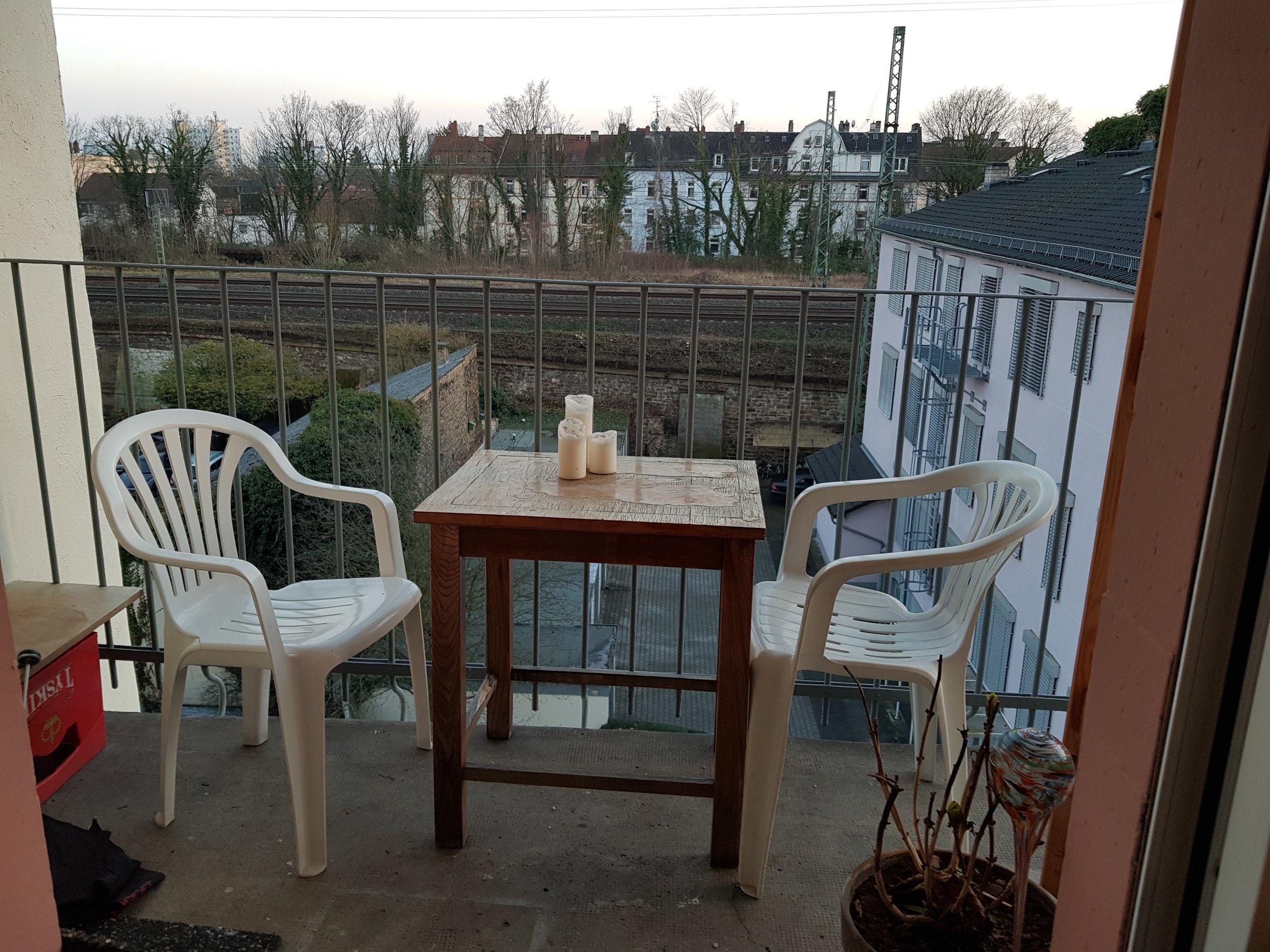 12 Qm Zimmer Balkon Fur Wochenendheimfahrer Vermittelt Of
