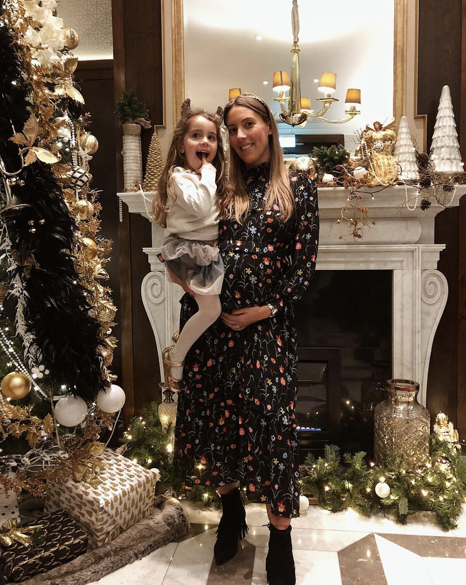 @cityrunmum   #fbf to last Friday's Alice in Wonderland afternoon tea in the most gorgeous Christmas setting,