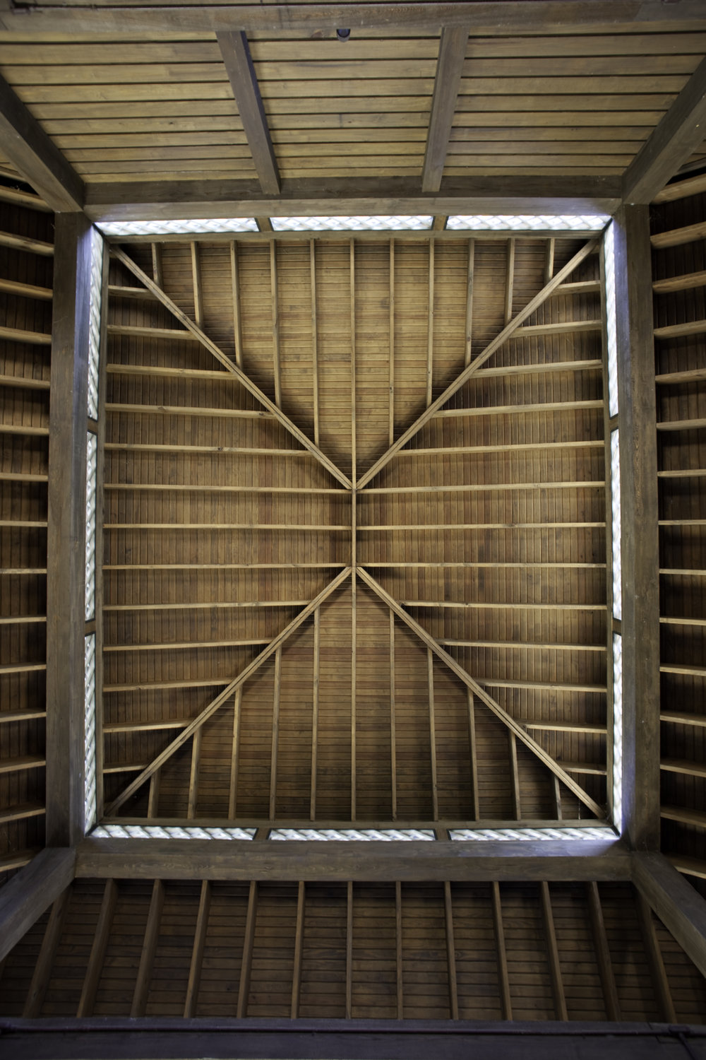 CEILING DETAIL IN GARAGE.jpg
