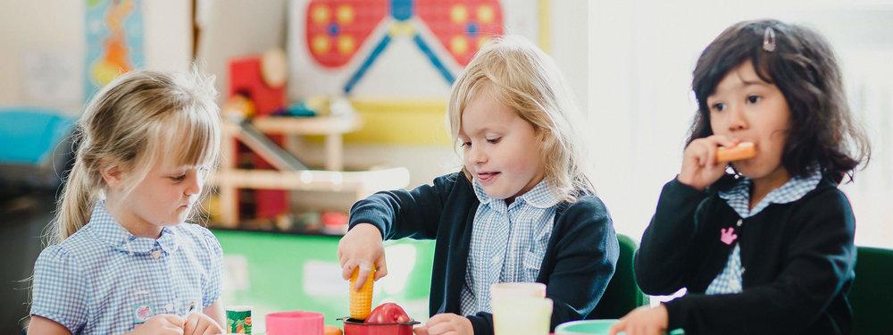Hessle-Mount-Primary-pre-school--girls-playing.jpg