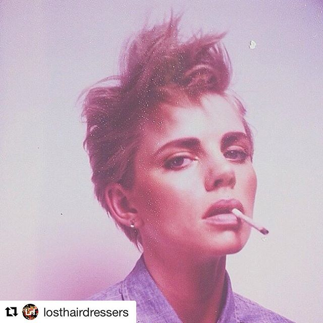 #mood #wednesdays  Photo: @benjoarwas  Makeup: @mishyparry  Hair #jackiefanarahair  #Repost @losthairdressers with @get_repost ・・・ . . . . #shorthairdontcare #oldiebutgoodie #fashionphotogrpahy #losthairdressers