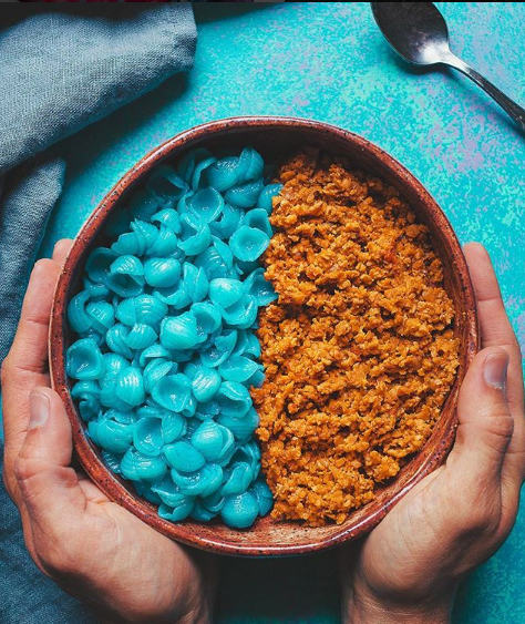 @bjonr - Bjonr's humble approach aims to inspire vegans and convert the skeptics. His awesome recipes for tacos, homemade mint & chocolate chip cookies, and peanut butter coconut cookie dough are perfect for some weekend kitchen inspiration!