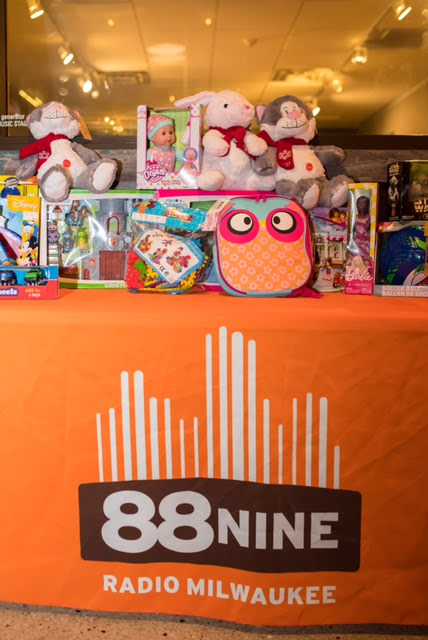 2017 Noche Toy Table.jpg