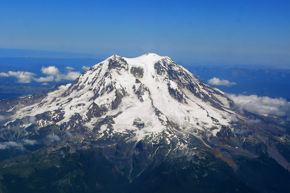 Mount_Rainier_from_west.jpg
