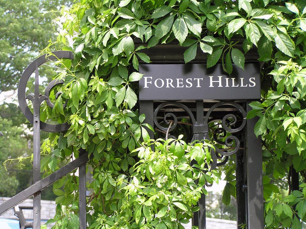 foresthills_gate_plaque.jpg