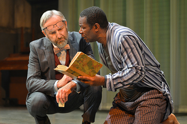 Dan Hiatt (l) as Polonius and John Douglas Thompson as Hamlet. Photo courtesy of ACT.