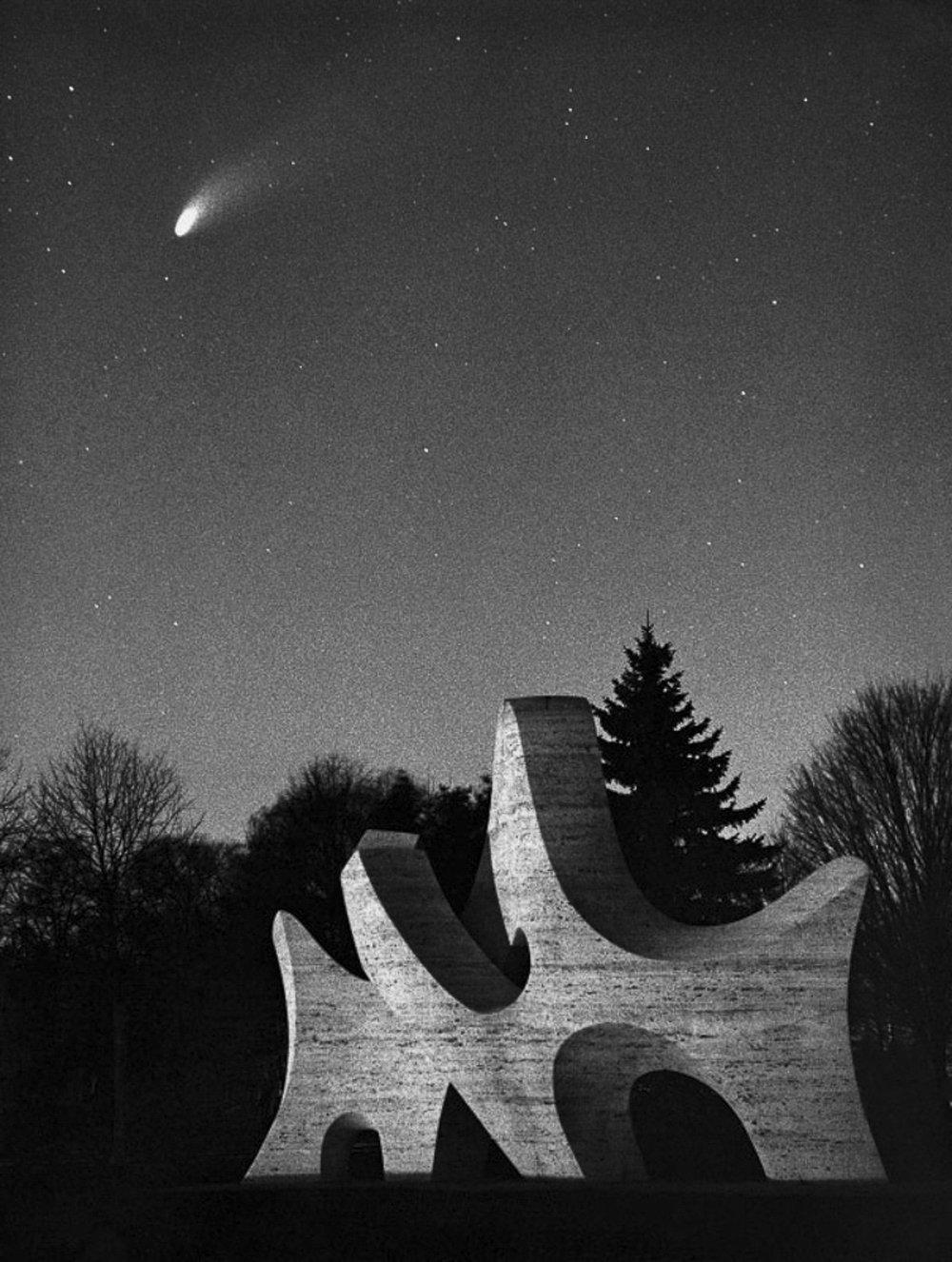 Comet Hale Bopp 1995 ➤