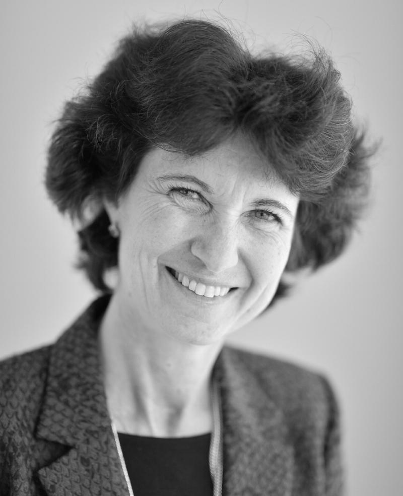 Droit approfondi des contrats d'affaires - Sophie SCHILLERCo-Directrice, Professeur agrégée de droit privé, membre de la Commission des sanctions de l'Autorité des Marchés Financiers (AMF)