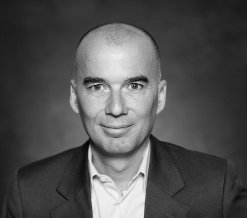 Contrats internationaux - Eric HAZADirecteur juridique de Veolia
