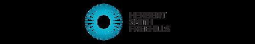 Herbert Smith Freehills - Vendredi 19 février 2016, le Master 214 a eu la chance d'accueillir Maître Séphane Brabant, Partner au sein du Cabinet Herbert Smith Freehills. Il nous a présenté un pan du droit des affaires en développement, à savoir celui du respect des droits fondamentaux dans le monde des affaires.Le débat s'est tourné vers l'éthique et le risque constitué par les entreprises qui délocalisent certaines activités dans des pays où les droits fondamentaux ne sont pas respectés. Nous avons alors été alertés sur la nécessité, dans le cadre de notre future activité, de conseiller les entreprise sur ces risques afin de leur éviter certaines actions moralement inacceptables.Nous remercions chaleureusement Maître Stéphane Brabant pour son intervention qui fût très appréciée par les étudiants.