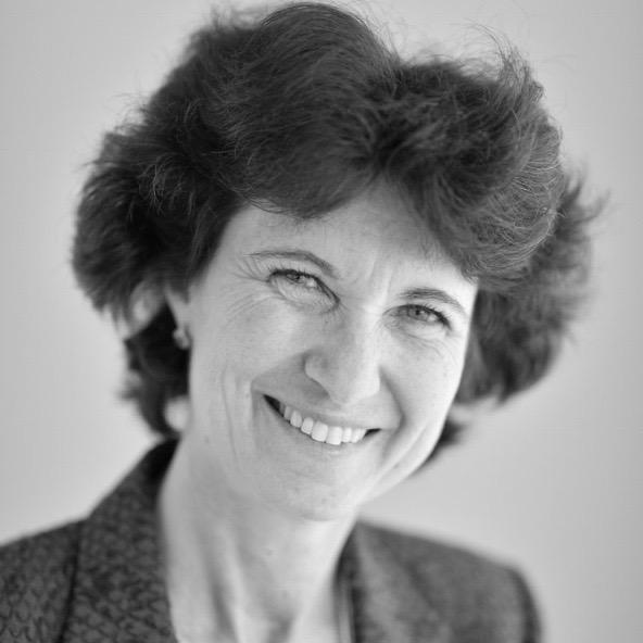 Droit approfondi des contrats d'affaires - Sophie SCHILLERCo-DirectriceProfesseur agrégée de droit privéMembre de la Commission des sanctions de l'Autorité des Marchés Financiers (AMF)