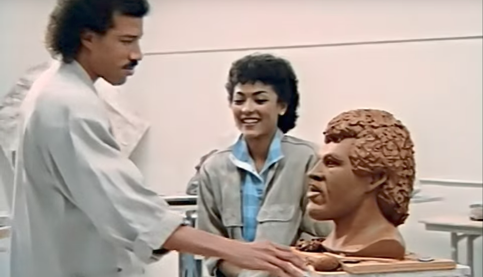 Lionel Ritchie head.png