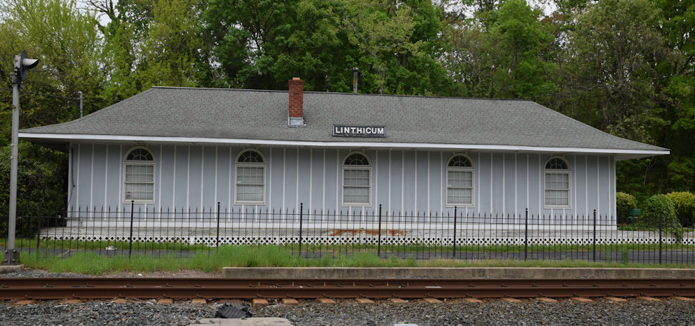 Linthicum Station. Linthicum, Maryland Date: Circa 2010. Source: Kilduffs.