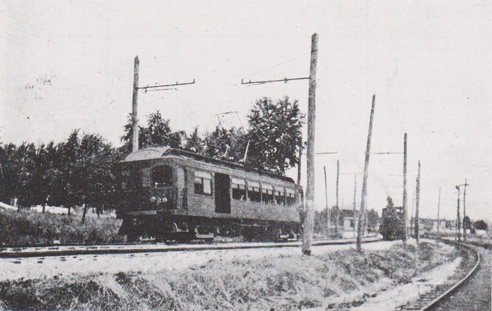 Annapolis Short Line - Combination Car Running on Double Track Section. Date: 1908. Source: Traction Heritage.