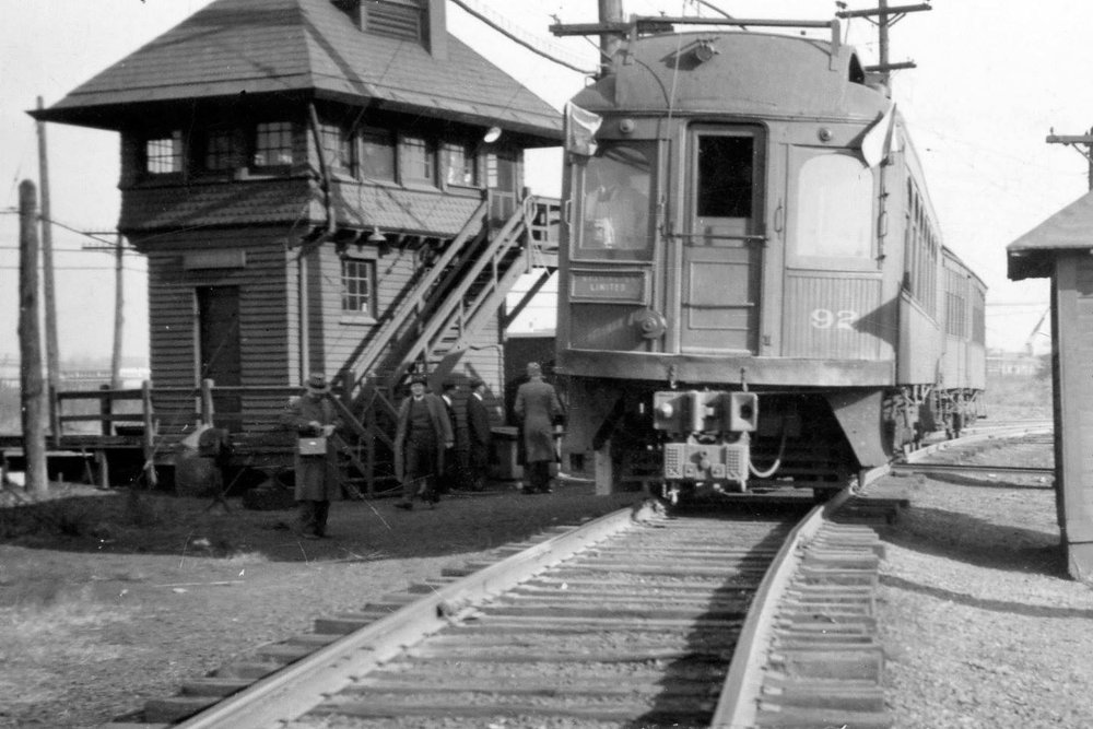 Baltimore & Annapolis Railroad Car 92 at Carroll Interlocking junction with the B&O Main Line into Camden Station. Date: November 16, 1941. Source: Lee Rogers Collection.