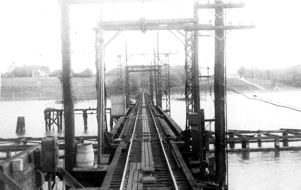 Baltimore & Annapolis Railroad, Severn River Bridge. Annapolis, Maryland Date: May 9, 1943. Source: Dudley Eichhorn Collection.