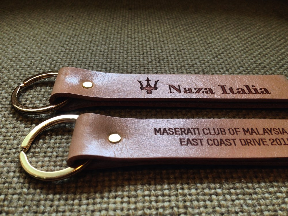 34life-corporate-events-workshops-gifts-products-designs-calfskin-leather-key-holder-ring-chain-naza-maserati-personalised-doorgift-01w.jpg