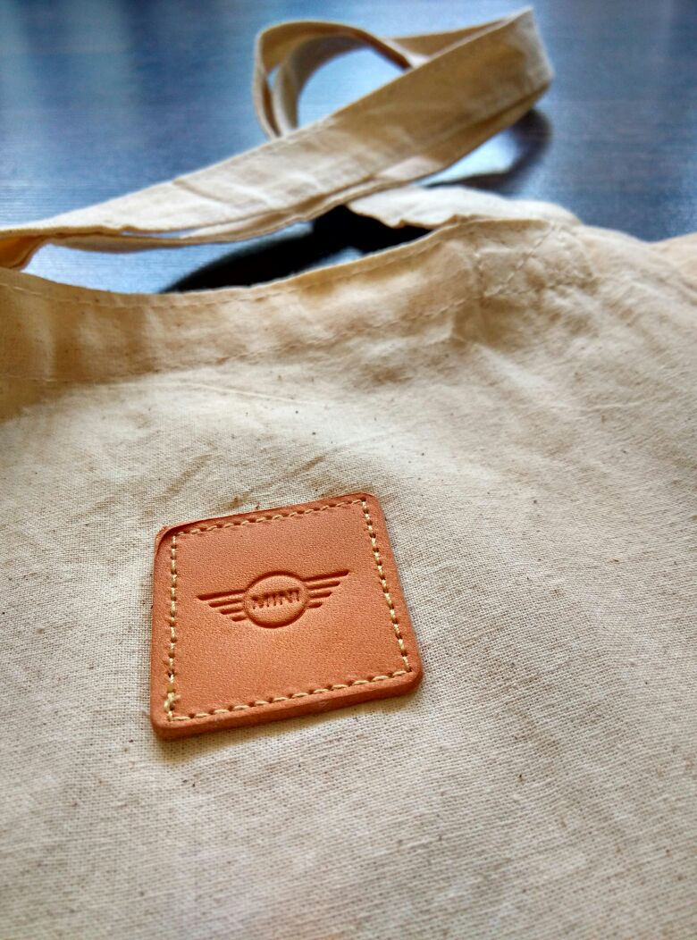 34life-corporate-events-workshops-gifts-products-designs-34-corporategifts-premiumgifts-doorgifts-minicooper-canvas-tote-01.jpg