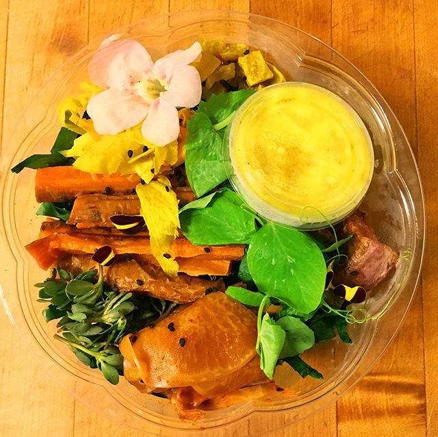 Fall is here!! 🍂🍄🍐🍁🕷 And we have shifted from our raw veggie Buddha Bowl to a roasted vegetable bowl with a curry lime dressing. 😍  Snag one today before they sell out!  We will be at our lovely booth from 9am-1pm today at the Bainbridge Island Farmers Market. Lots of new items!  #organic #farmtotable #healthiswealth