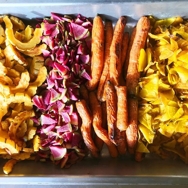 With cold weather brings roasted vegetables!! 🥕🍠 We are in LOVE 😍 with all of our local produce right now and you will see it in everything we are serving.  We'll be at the @bifarmersmarket today from 9-1!  #organic #supportlocal #slowfood