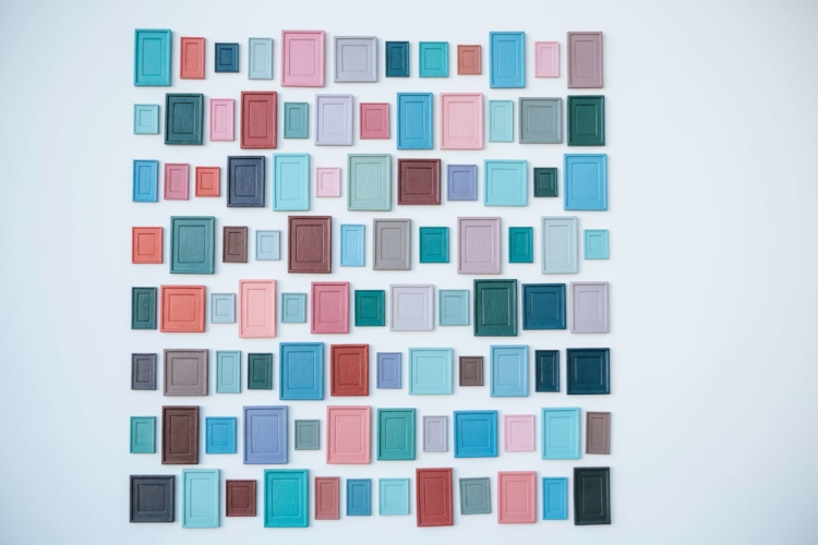 frames in pastel colors