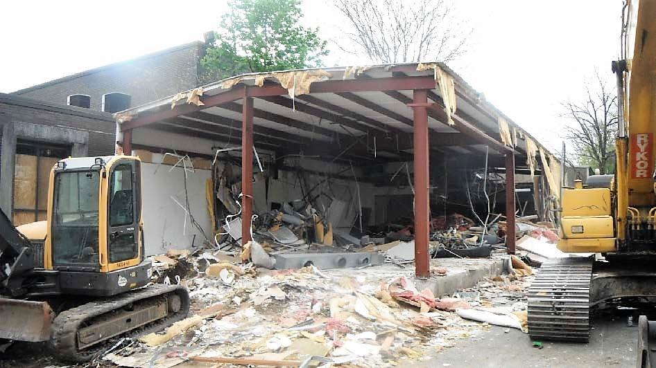 Stor U Self Construction Progress Report 04 -12- 17.jpg