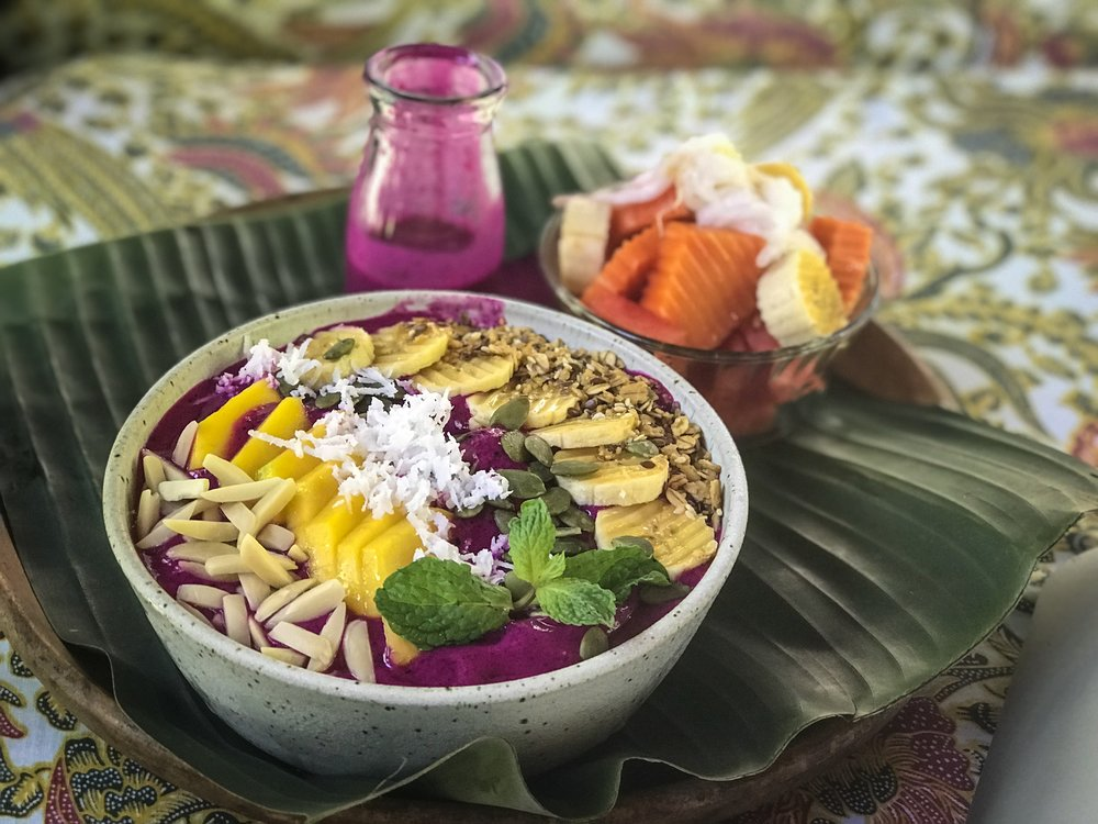 Smoothie Bowl - I guess smoothie bowls have become a major thing in the world of