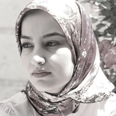 Maryam Tavassoli  Illustration Artist  Master of Islamic Art Bachelor of Handicrafts