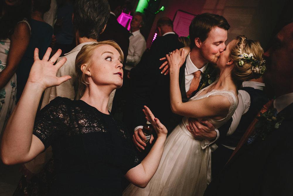 best wedding photographer uk1049.jpg