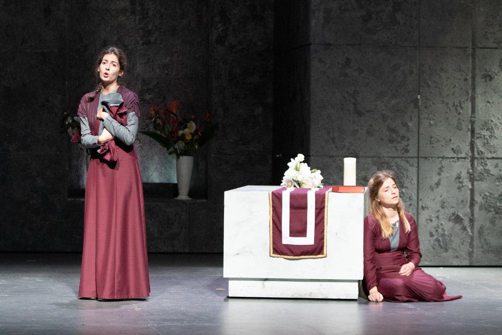 © Ludwig Koerfer   Soeur Constance in  Dialogues des Carmélites,  Poulenc - Aachen Theater 2018