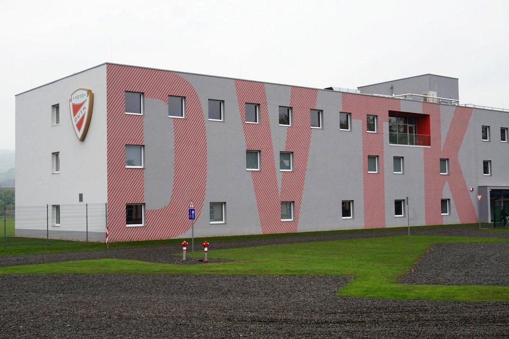 tűzfalfestés reklámfestés épületfestés dekorációs festés vertigomurals