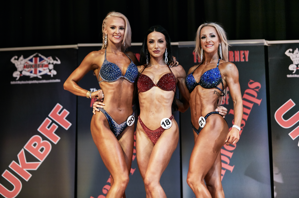 Rookie bikini fitness top 3:1 Constance Boot 2 Emma Hunt (right) 3 Emma Hindle (left). PHOTO: by Christopher Bailey.