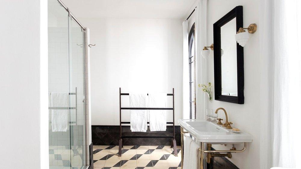 terracesuite bathroom.jpg