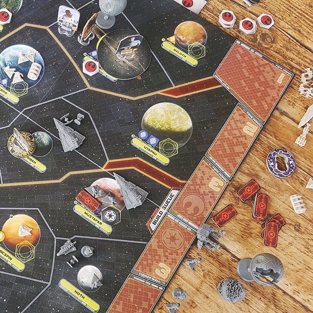 """There's a new review up on the blog today, of @fantasyflightgames Star Wars: Rebellion! 💫🚀 ⠀⠀⠀⠀⠀⠀⠀⠀⠀ """"Brilliantly cinematic, strategically deep and consistently nail-biting, Rebellion rewards you for learning it's rules and nuances by delivering a sweeping narrative of your own making."""" ⠀⠀⠀⠀⠀⠀⠀⠀⠀ You can read the full review at acompetitivecouple.com, or by following the link in our bio 😄"""