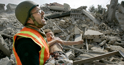 israel pauses air strikes after 37 children killed - San Francisco Chronicle newspaper, July 31, 2006