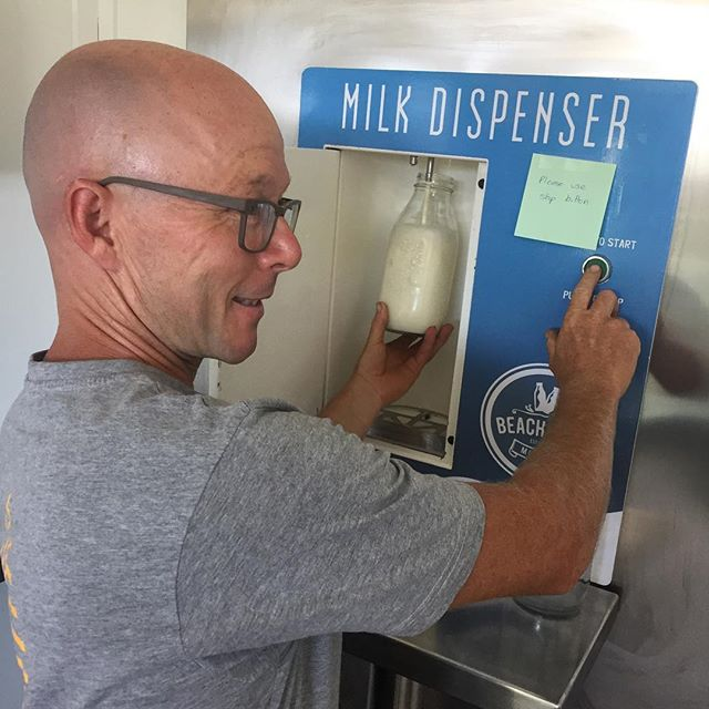 First stop in New Zealand: the local raw milk vending machine - with Jodi roebuck of @roebuckfarm demonstrating its proper use. Of all the countries we've visited, NZ has some of the most liberal, but also the safest, raw milk legislations. Most dairy regions in the country now have producers selling unpasteurized milk directly to the public, fresh on the day it's produced! #rawmilkrevolution #notyouraveragevendingmachine #cheesetour