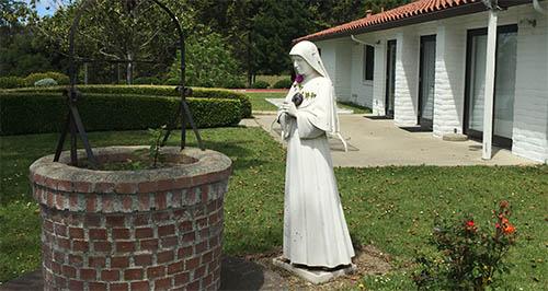history-salesian-estatua.jpg