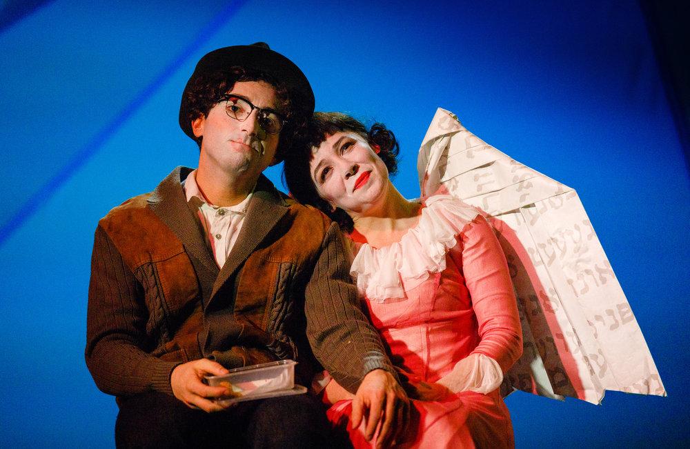 The Flying Lovers of Vitebsk - photo by Steve Tanner (TAN20403) pic 5.jpg